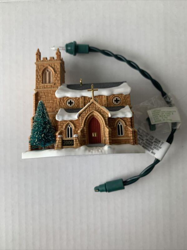 Hallmark Keepsake Old Stone Church Candlelight Services Magic Features Light
