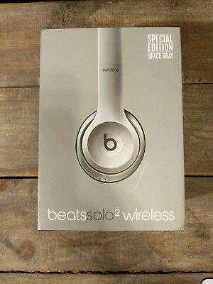 1ba5da27cd9 Beats by Dr. Dre Solo2 Wireless Over the Ear Headphones - Space Gray