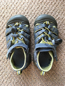 Boys Keen Sandals Toddler size 10