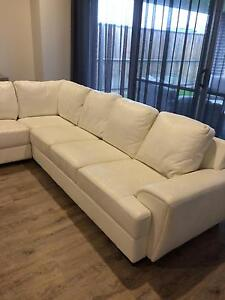 White Leather Lounge - 6seater + chase Pitt Town Hawkesbury Area Preview