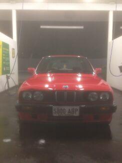 1990 BMW E30 318I automatic