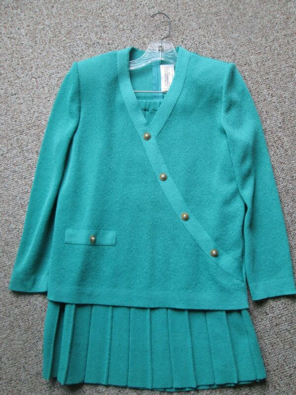 Castleberry knit suit Size 12 Kelly Green