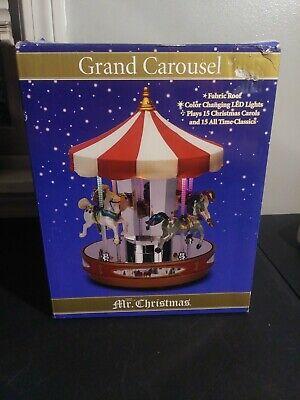Mr. Christmas Grand Carousel (2010) (NEW) Plays 15 Christmas Carols ()