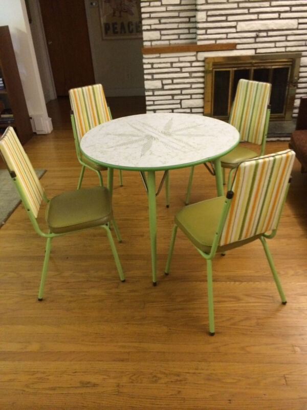 Vintage Retro Dinette Set..Patterned Top Table & Chairs set