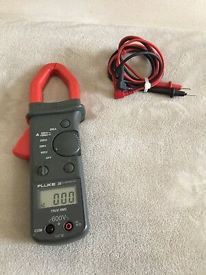 Fluke 36 Electrical Testing 600v True Rms Acdc Voltage Digital Clamp On Meter
