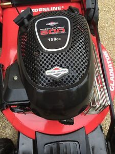 LAWN MOWER 4 STROKE SELF DRIVE BRIGGS STRATTON 5 hp AS NEW CONDITION Hollywell Gold Coast North Preview
