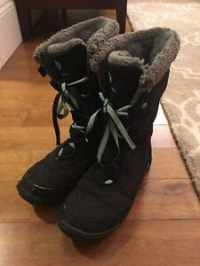 Columbia Waterproof Size 3 Kids' Boots