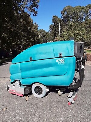 Tennant 5700 Xp Walk Behind Floor Sweeper Scrubber 32 Reconditioned-432hrs