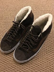 Vans shoes youth size 6