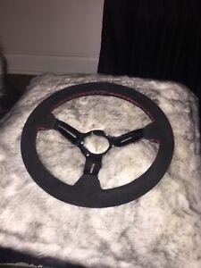Racing steering wheel and hub