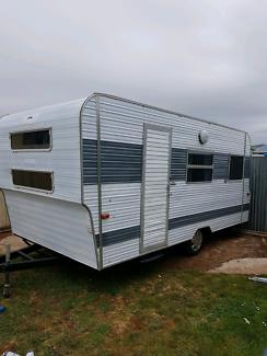 Coronet caravan 16.5 with bunks