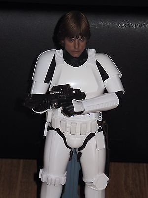 Hot Toys Star Wars Stormtrooper Luke Skywalker Exclusive 1/6 Scale Figure