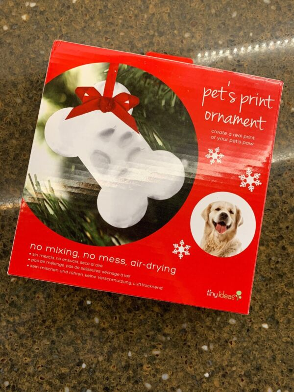 Pet's Print Ornament DIY Create a real print of your Dogs paw. No mixing no mess