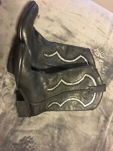 Reba real leather cowboy boots with sparkles  London Ontario image 1