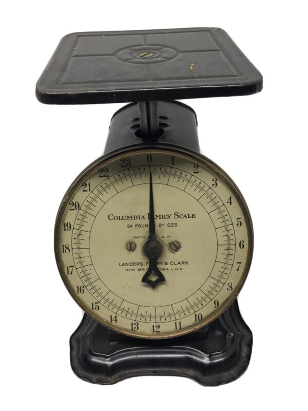 Vintage Columbia Family Scale 24 Pd. Landers, Frary & Clark Pat
