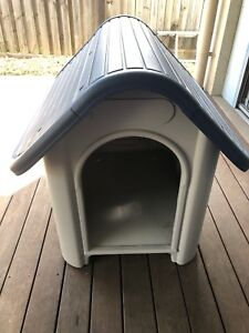 Like new Dog kennel for small or medium dog