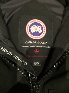 MINT CONDITION WOMENS CANADA GOOSE XS BLACK CHILIWACK