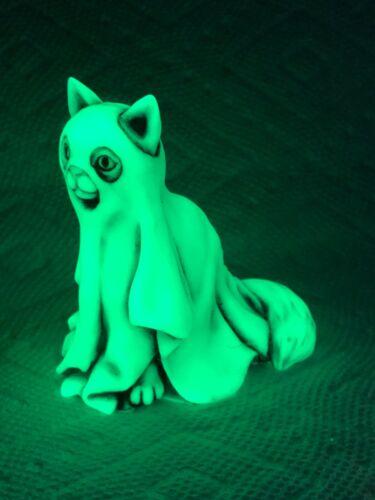 Harmony Kingdom Artst Neil Eyre Designs Halloween Ghost kitty cat Glow in dark