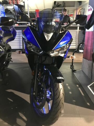 Yamaha R3                 Testbike/ Modell 2018/ tiefer