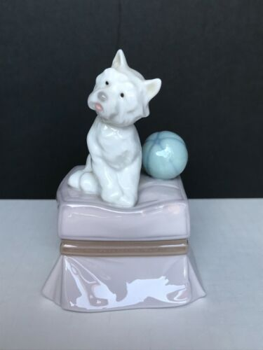 "Lladro ""My Favorite Companion"" Figurine #6985 - Mint in Orig. Box"