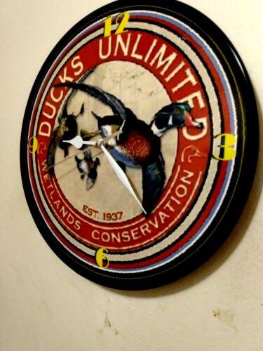 DUCKS UNLIMITED  -12IN QUARTZ WALL CLOCK /  FREE PRIORITY SHIPPING