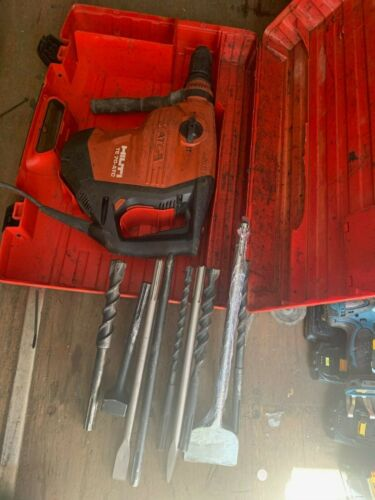 Hilti TE 70 hammer drill with 9 bits