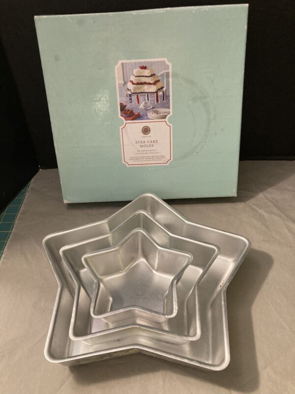 Set of 3 Martha Stewart Star Cake Molds Pans with box