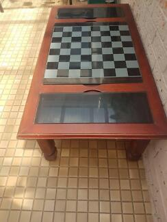 COFFEE TABLE/GAMES TABLE