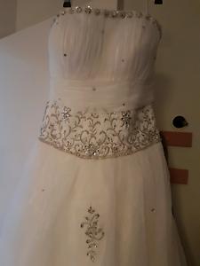 Strapless Wedding dress size8 to size 12 Redbank Plains Ipswich City Preview