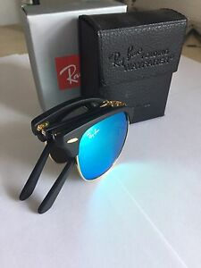 Folding Ray Ban sunglasses