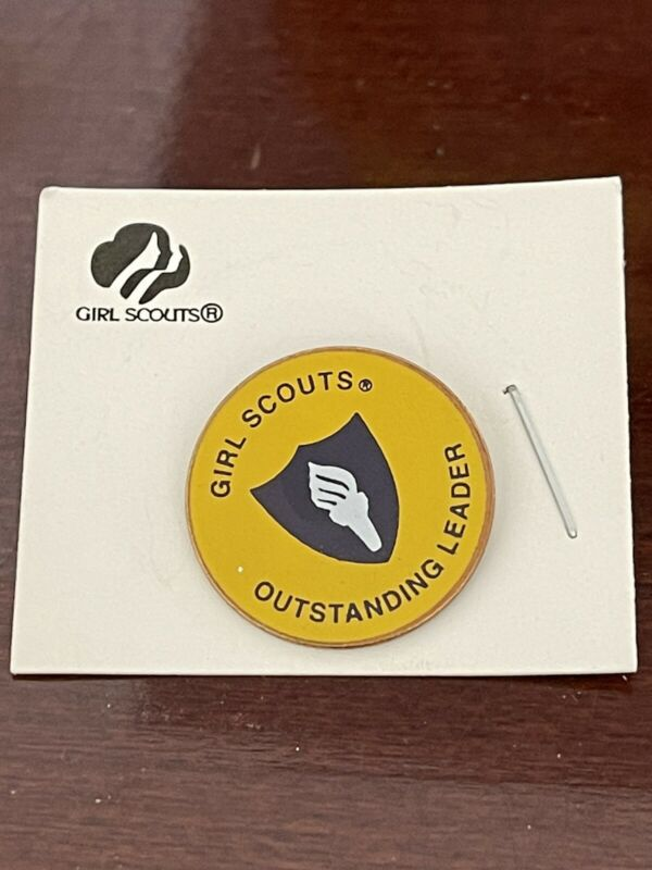 NEW Girl Scout Yellow Outstanding Leader Pin
