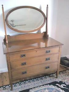 1920 English Oak Dressing Table Nowra Nowra-Bomaderry Preview