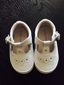 Stride Rite White Leather Shoes Infant Baby Girl Size 2.5