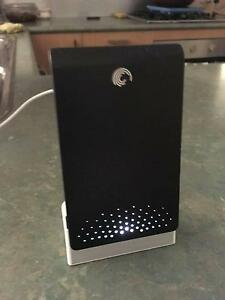 SEAGATE FREE AGENT GO 880GB PROTABLE USB HARD DRIVE Brunswick East Moreland Area Preview