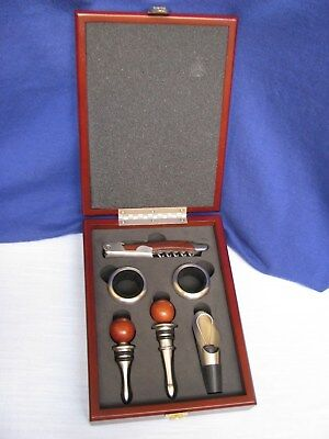 Brookstone Heritage 6 Pc Wine Accessories Set Cork Screw Stoppers Rings Wood Box