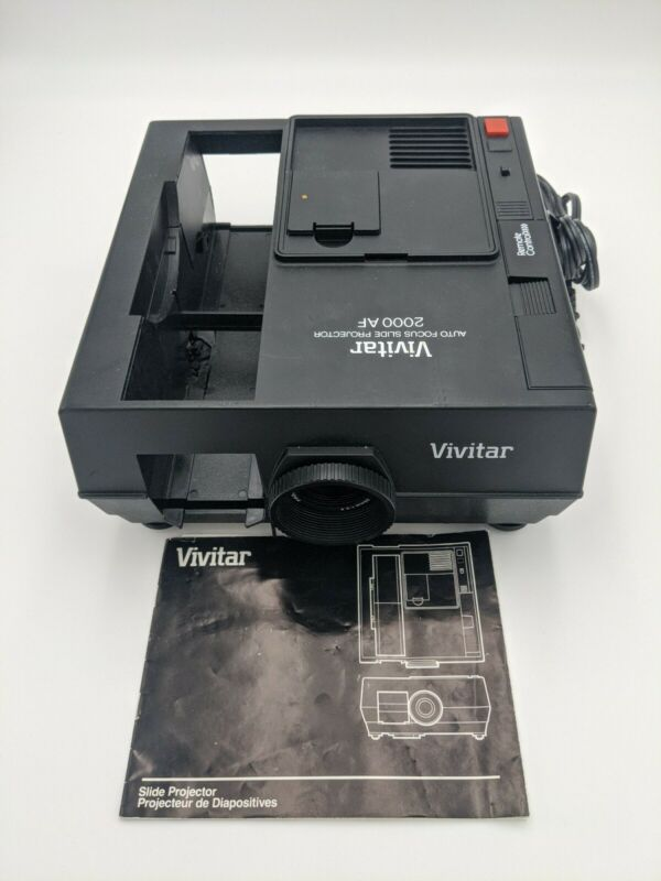 VIVITAR 2000AF 35mm Slide Projector With Working Remote and Working Bulb