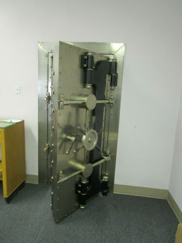 antique York ? Bank vault Door & trim Gun room Safe old Bank