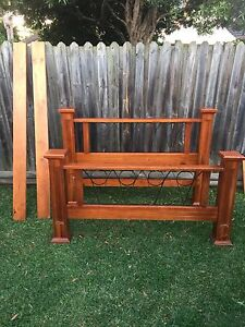 Queen bed frame $100 Jamisontown Penrith Area Preview