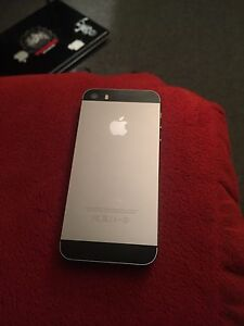 Bell iphone 5s mint condition
