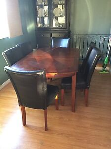 Dining room table, six chairs