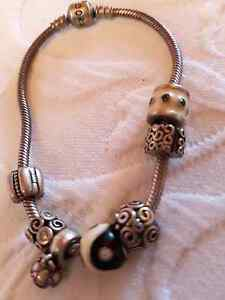 Pandora Bracelet and Seven Charms Coonarr Bundaberg Surrounds Preview