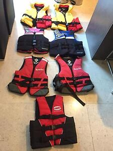 JETSKI LIFE JACKETS FOR SALE mixed sizes Spearwood Cockburn Area Preview