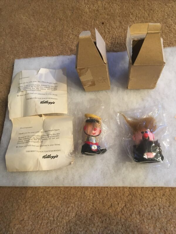 Vintage 1972 Kelloggs Mini People Figures W/ Papers From Kelloggs NOS