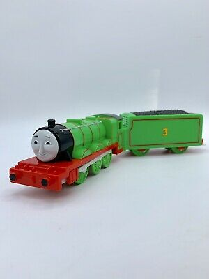 Thomas Trackmaster MOTORIZED TALKING HENRY & TENDER Train 2010