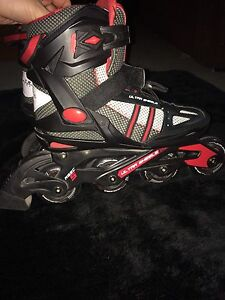 Barely used rollerblades like brand new!