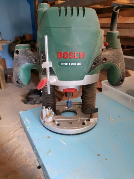 Bosch router with kreg table insert and router bit kit power tools 1 of 3 greentooth Gallery
