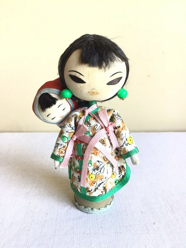 """Vtg Award Hand Made Folk Art Chinese Mother And Baby Doll Made In Taiwan 5"""" Tall"""