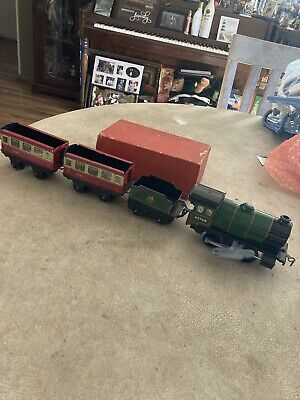 1954 Hornby O Gauge Wind Up Tin Train Set Engine Tender & 2 Cars With Key &1 Box