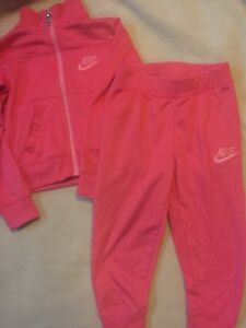 Nike tracksuit size 2T