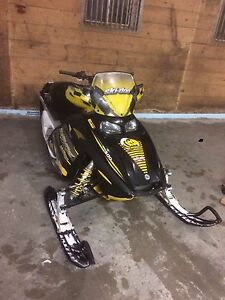 Beautifull ski doo snowmobile with 2017 trail pass